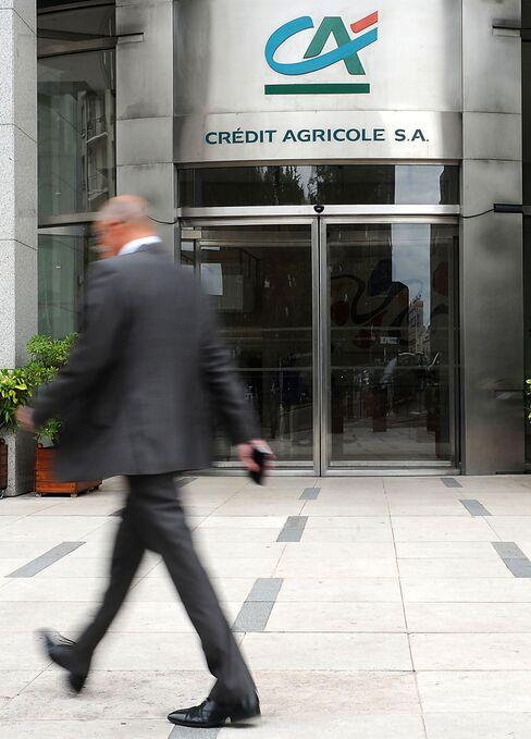 Credit Agricole Has Fourth-Quarter Loss on Intesa Writedown