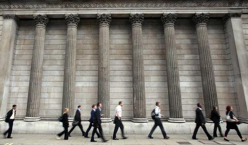London's Bankers Say U.K. Wealth Gap Too Big, Church Report