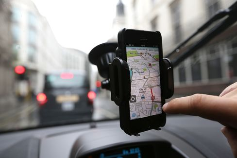IPhones Stuck to Windshields Threaten $1,500 Dashboard Map