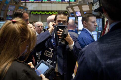 U.S. Stocks Decline as Europe Concern Offsets Econo