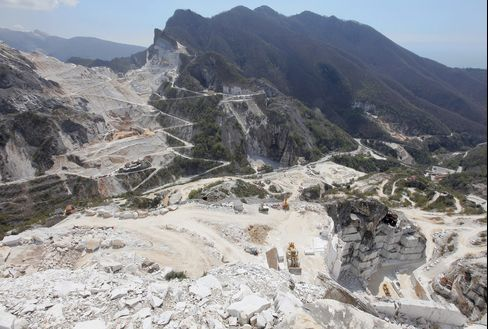 Marble at 2,000-Year High as Russians Build Hammams