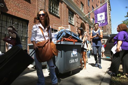 Colleges Shipping Freshmen to Paris Boosts U.S. Tuition Coffers