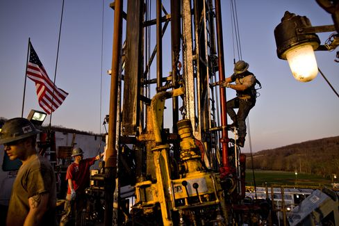 Nomac Drilling Corp. employees drill a natural gas well in Bradford County, Pennsylvania. Photographer: Daniel Acker/Bloomberg