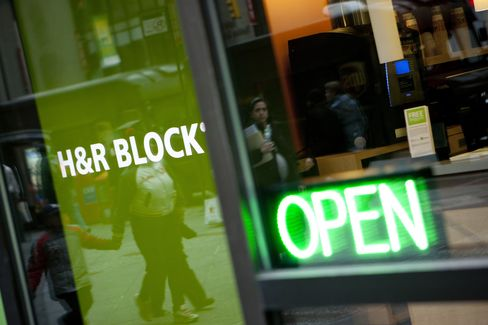 H&R Block Jumps Most in S&P 500 on Bank-Exit Deal