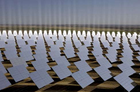 First Large Solar Plants Without Subsidy Sought in Spain