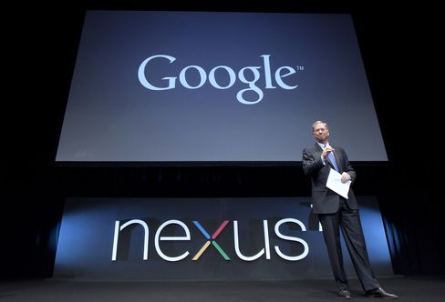 Google Said to Plan Unveiling Mobile Devices in Apple Challenge