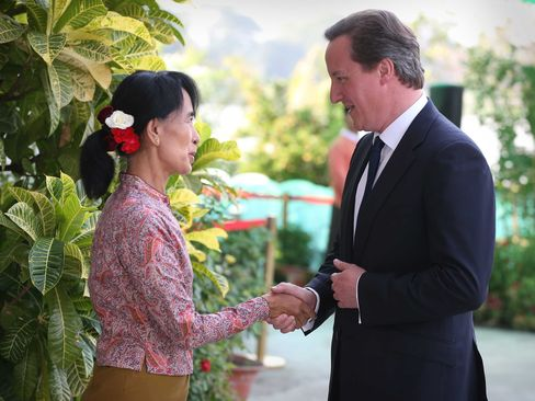 Cameron Says It's Right to Suspend Some Sanctions on Myanmar