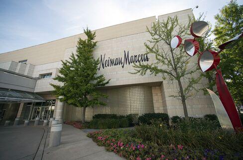 Warburg, TPG Said to Make 150% Profit in Sale of Neiman Marcus