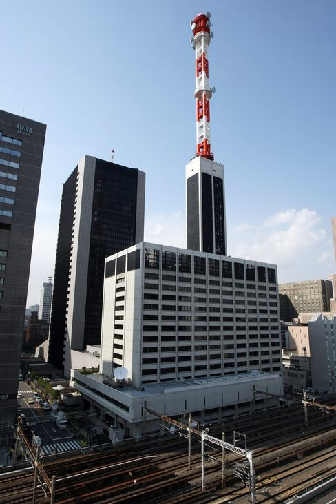 Tokyo Steel, Fuji Heavy Face Outages as Blackouts Sap Japan