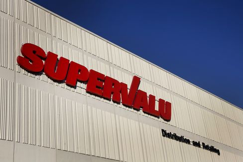 Supervalu Said to Attract Interest From Burkle, KKR, TPG Capital