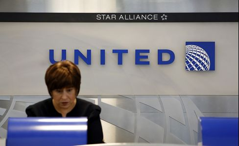 United Said to Shift to Biggest 787, A350 in Boeing-Airbus Order