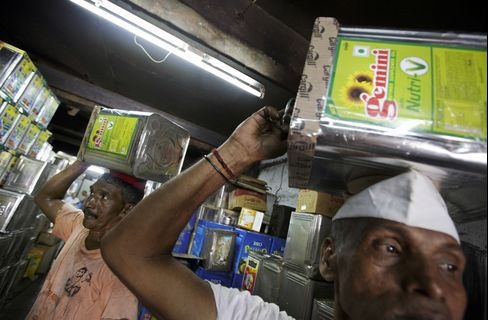 Cooking Oil Imports by India to Drop on Near Record Inventories