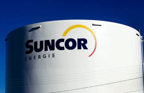 Gluskin Sheff Sees Yield in Suncor, Oil Shares