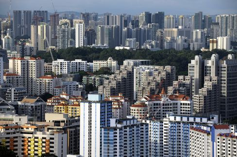 Singapore's Private Home Prices Climb to Record on Sales