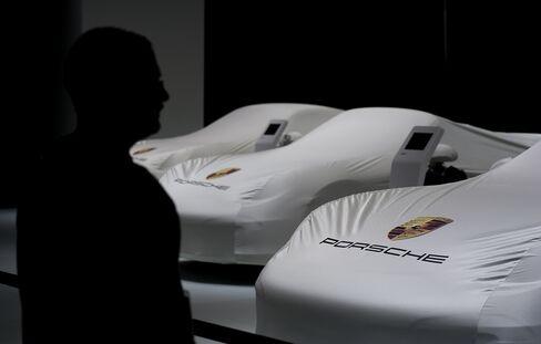 Porsche Market-Manipulation Probe Extended to Supervisory Board