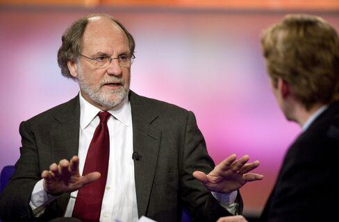 Corzine's MF Enters Distress With 18% Yields