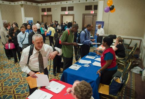 Initial Jobless Claims Slump as Two U.S. States Underreport