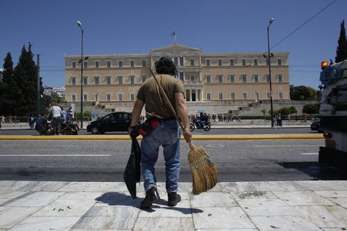 Top Tax Collector in Greece Faces Task of Restoring Confidence
