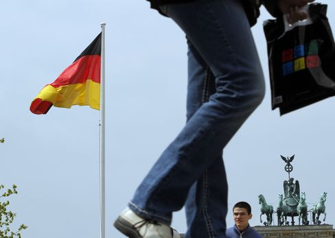 Euro Bears Rule in Germany First Time Since August