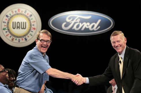 UAW President Bob King and Ford President Alan Mulally