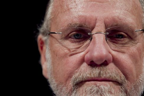 MF Trustee Says He Will Work With Customers Suing Corzine