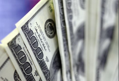 Nowhere to Hide as Dollar Posts Only Gain Amid Stock, Bond Drops