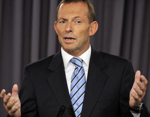 Tony Abbott, Australia's opposition leader, speaks at the National Press Club in Canberra. Photographer: Mark Graham/Bloomberg