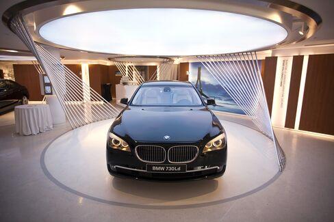 BMW Adds Apple-Like Geniuses as Growth Push Omits Salesmen