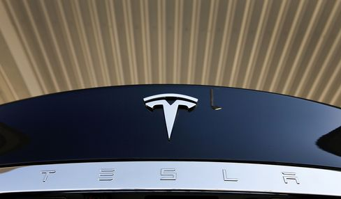 Tesla Pushes Electric Car Viability With Rapid-Charge Expansion