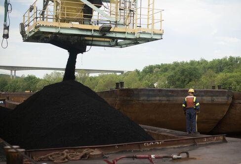 U.K. Stocks Little Changed as Property, Miners Offset U.S. Data
