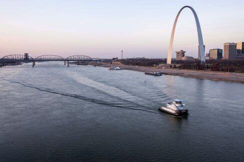 Blasting Mississippi Rocks Delayed as Backhoes Make Progress