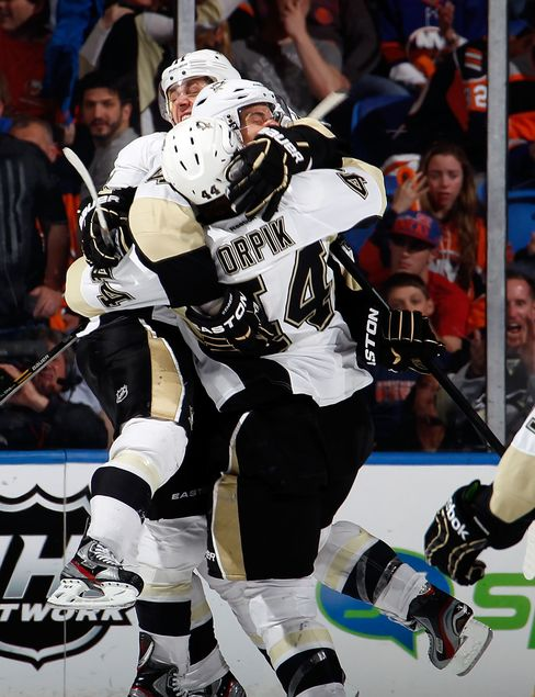 Penguins Beat Islanders to Advance to Round Two of NHL Playoffs