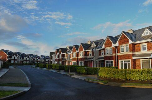 Irish Foreclosure Wave Risks Killing Housing Recovery