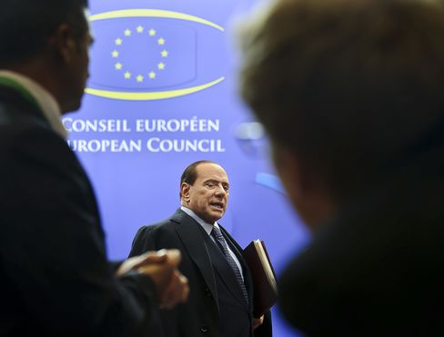 Berlusconi Arrives at G-20 'Empty-Handed' After Revamp Vow