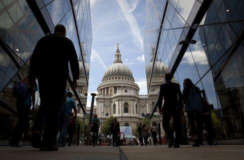 U.K. Finance Industry to Lose 43,000 Jobs, CBI Survey Says