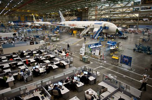 Boeing Risks Labor Unrest With Engineers After Machinists' Peace