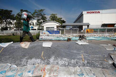 Receding Thai Floods Let Nissan, Honda Resume