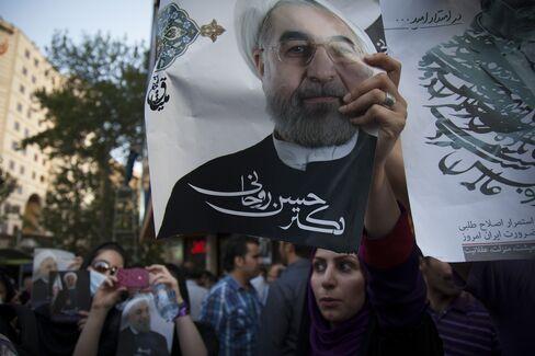 Ex-President Rafsanjani Joins Khatami to Back Rohani in Iran