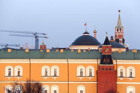 Putin Said Left Facing Rift on Stimulus in Economy Revival Plan