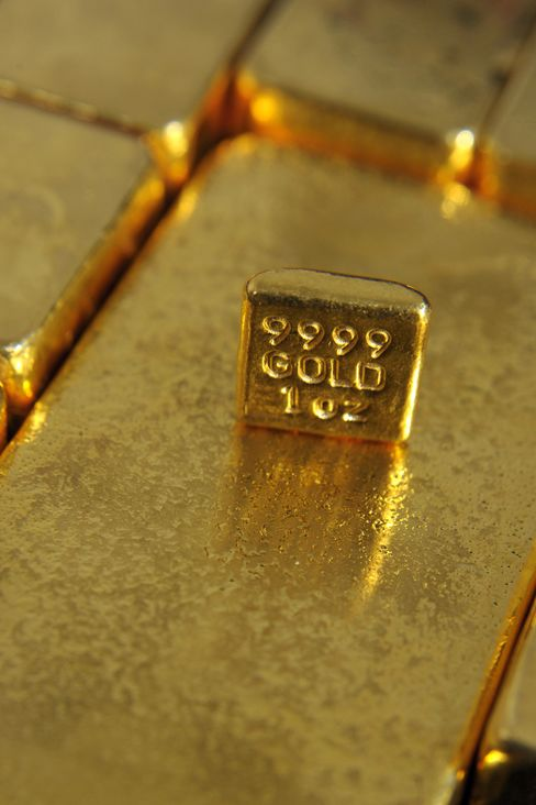 Hedge Funds Raise Gold Bets as Goldman Sees Decline