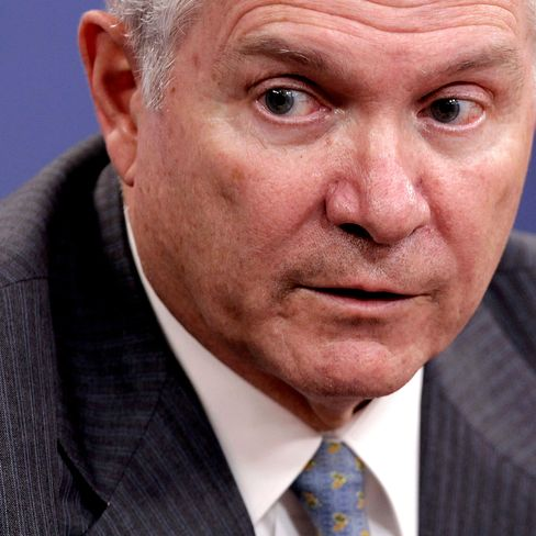 Gates Asks FBI to Help in Probe of Leaked Documents