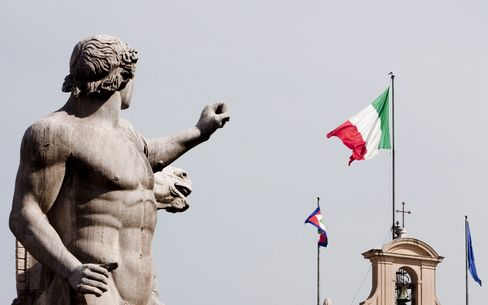Italian 10-Year Bonds Stay Lower After Nation Sells Securities