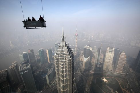 China Services Industries Expanded at Faster Pace in January