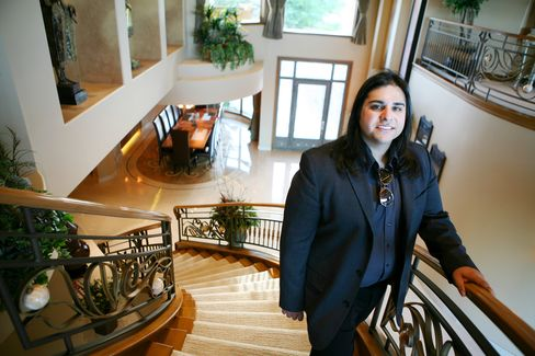 Wealthy Leaving Vegas Mansions as Foreclosure Pain Spreads