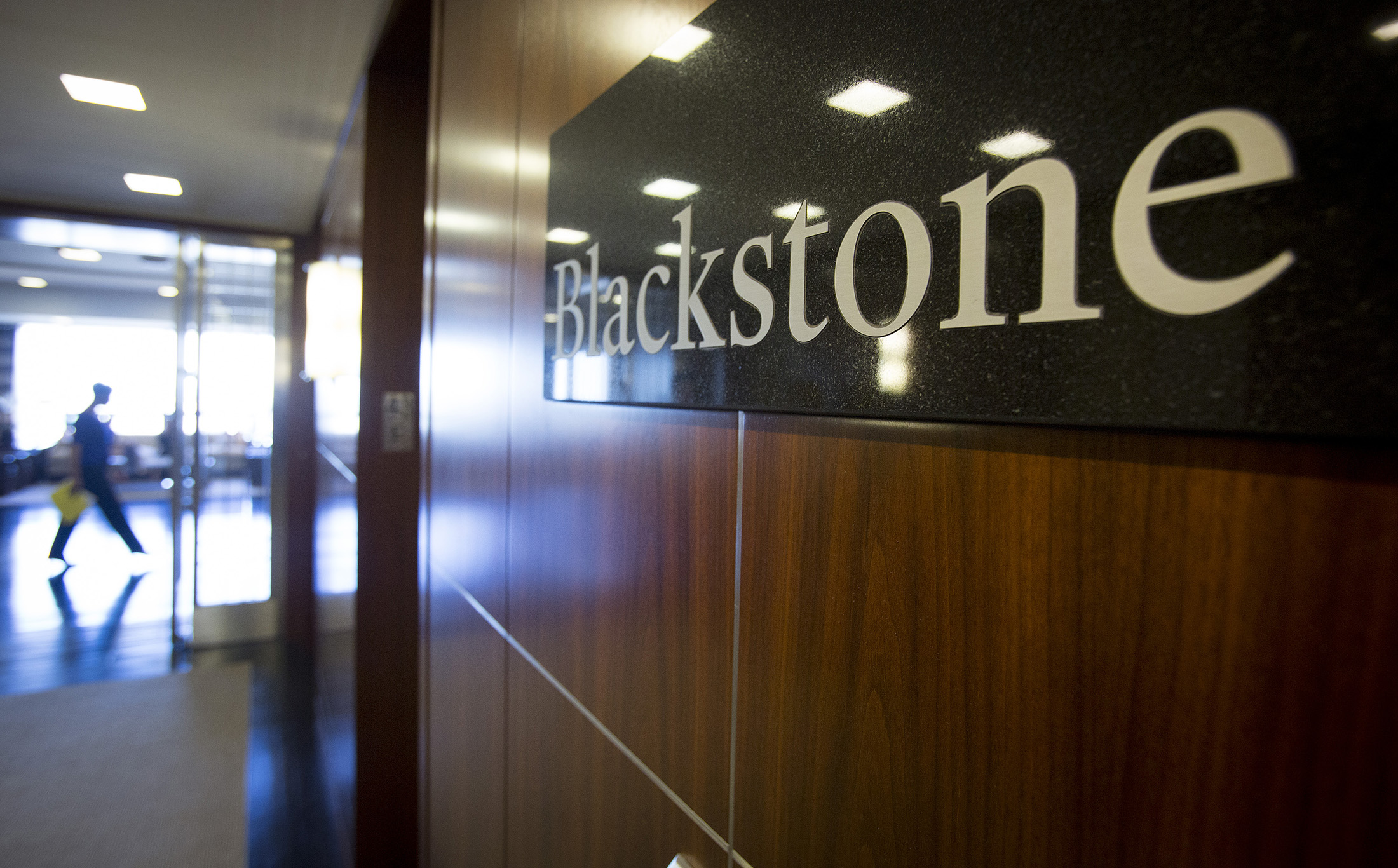 Blackstone Mutual Fund Loses Half Its Assets Bloomberg