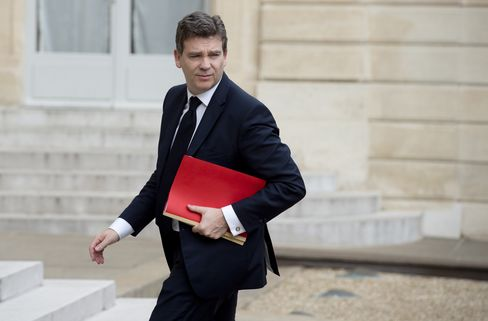 France's industry minister Arnaud Montebourg arrives for a meeting with GE Chief Executive Officer Jeffrey Immelt and President Hollande at the Elysee Palace in Paris, on April 28. Photographer: Alain Jocard/AFP via Getty Images