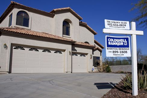 Phoenix Underwater Mortgages Show Housing Threat to Recovery