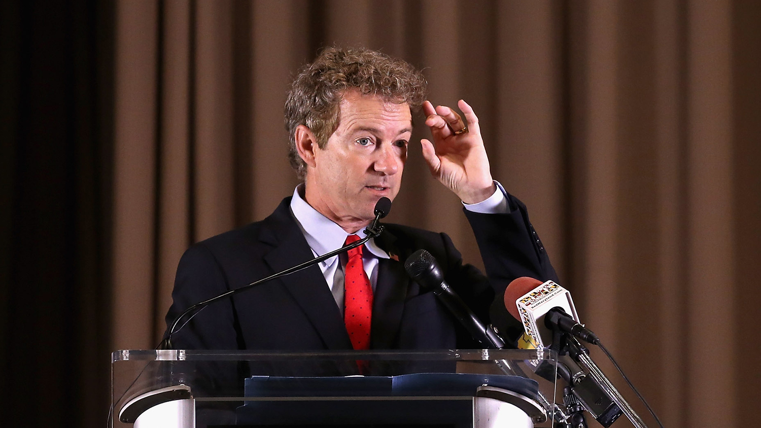 <p>Senator Rand Paul is raising money at a marijuana growers' convention.</p>
