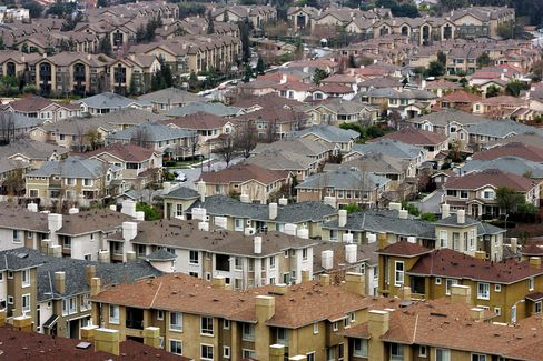 U.S. Home Vacancies Fall in Cities Hardest-Hit by Foreclosures
