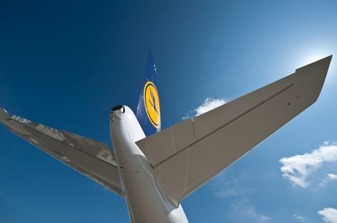 Lufthansa Appoints BMI's Menne to Become Sole Female DAX CFO